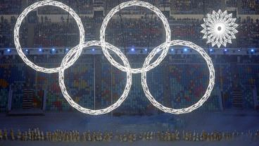 GTY_sochi_olympic_opening_ceremony_ring_fail_jef_140207_16x9_608